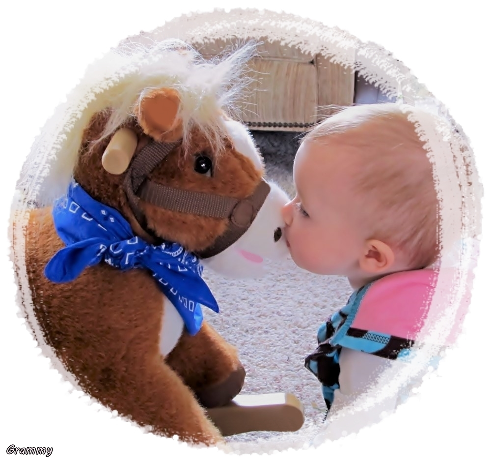 A kiss for the Pony! (3)